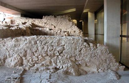 Aljibe 2 y restos palaciales en el interior del Parador de Turismo de Lorca